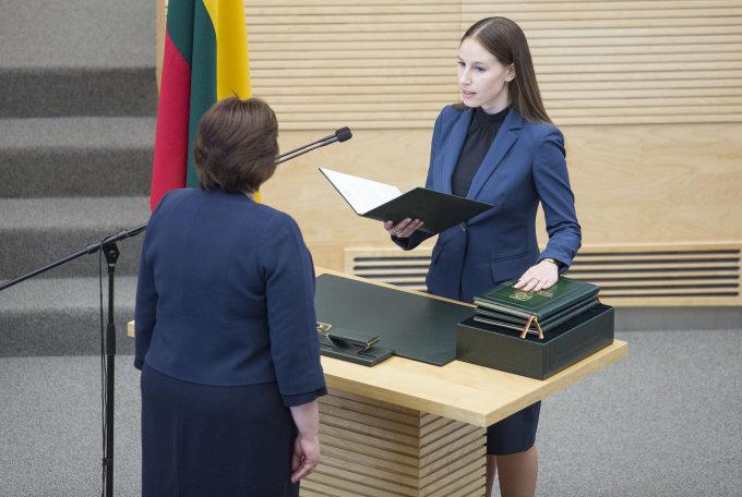Agneta Lobačevskytė prisiekia LR Seime, 15min.lt nuotr.
